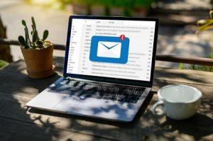 Contacter un support clientèle par mail