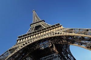 La tour Eiffel rouvre : joindre le service clientèle par voie téléphonique